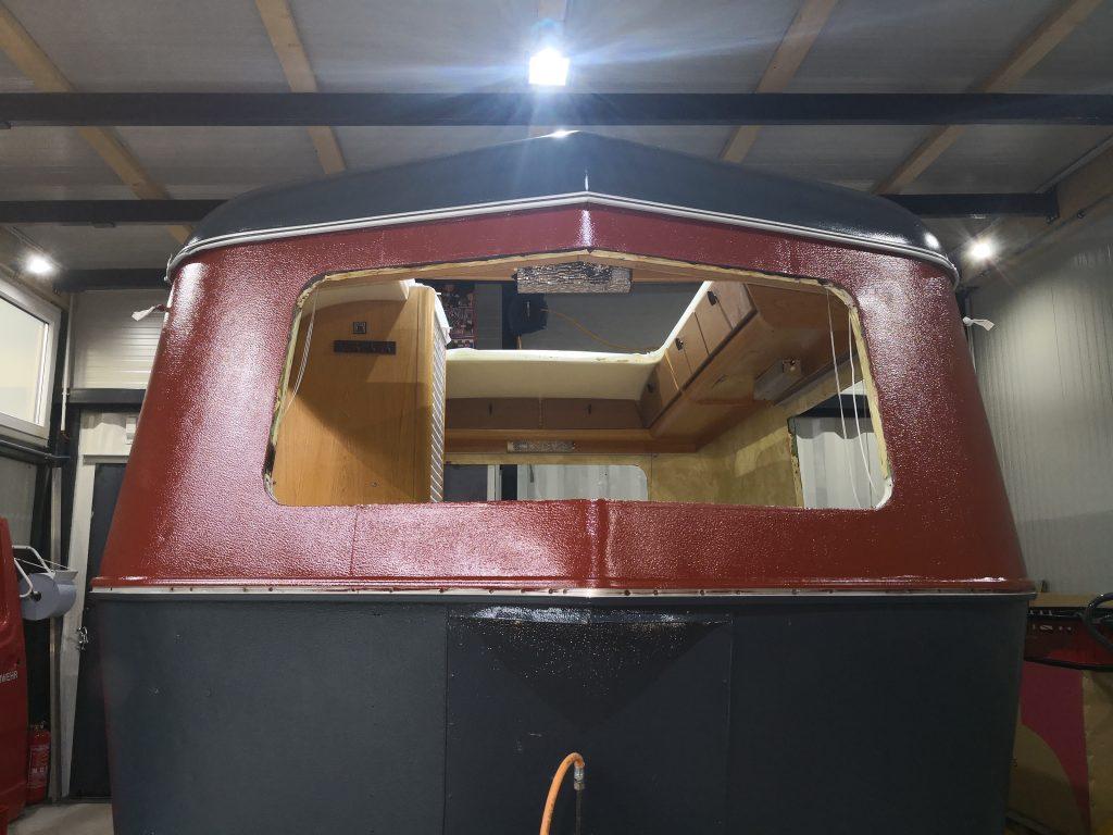 Eriba Restauration Koma.land ... Instandsetzung des originalen Kunststoff-Fenster von Birkholz inkl. Rettung des Fensterrahmen